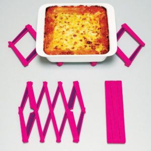 Stretch, Expandable Silicone Trivet Pink